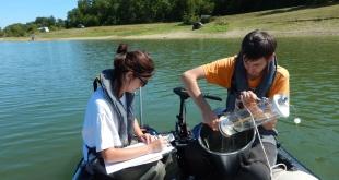 Prélèvement d'échantillons d'eau