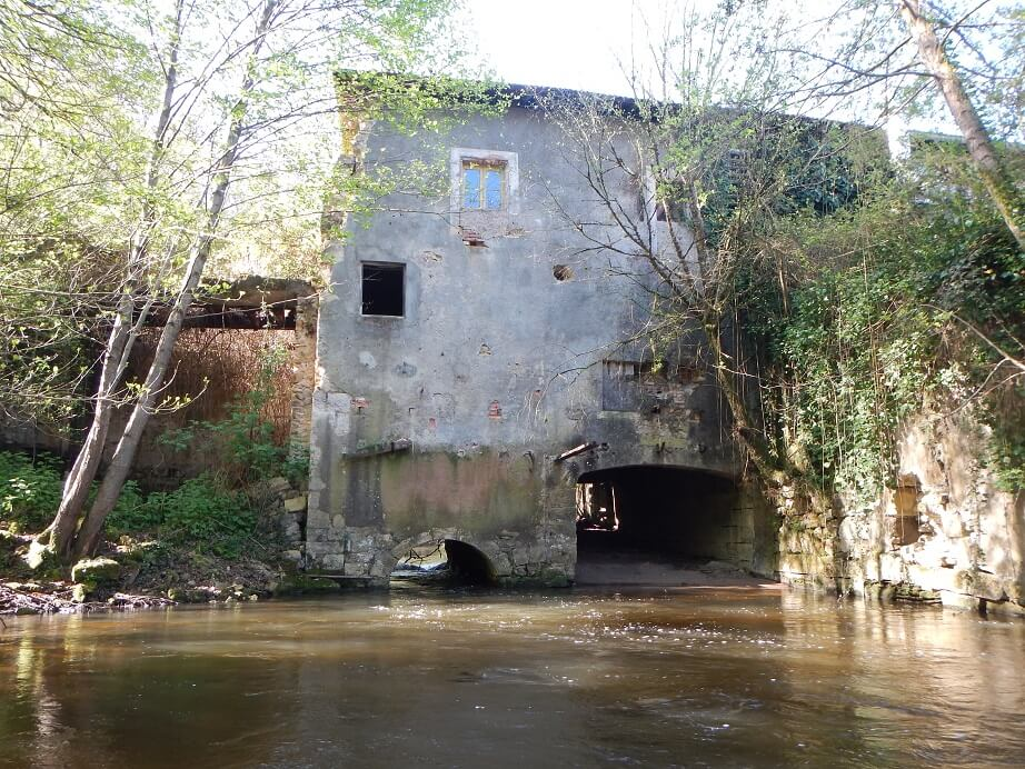 Aval du moulin de Pernaud avant travaux