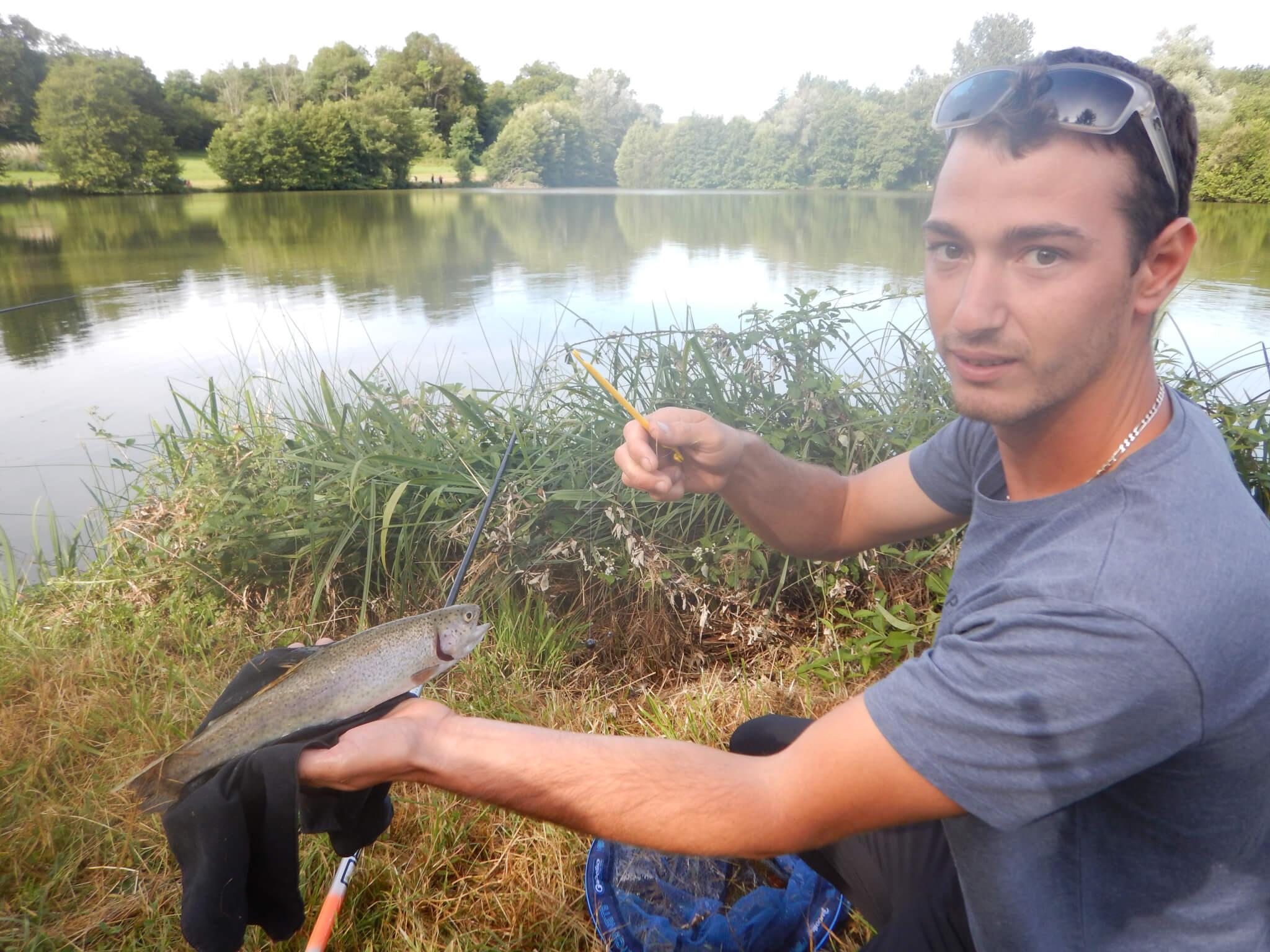 salmonidés en étang